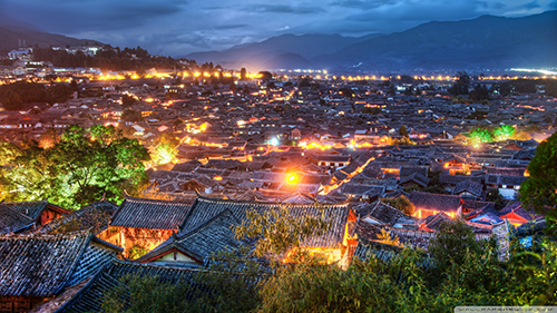 spectacular-village-of-lijiang-china-at-night